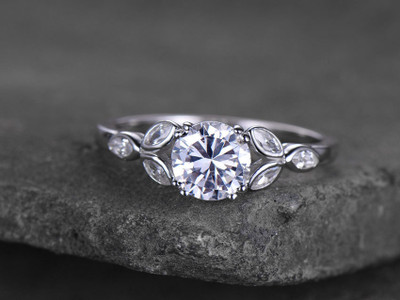 Round CZ engagement ring-BBBGEM Silver Cubic Zirconia RIngs