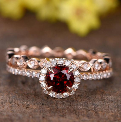 VS natural Garnet engagement ring set,2pcs 14k Rose Gold wedding diamond rings,Diamond HALO,Promise Ring,5mm round garnet ring,milgrain band