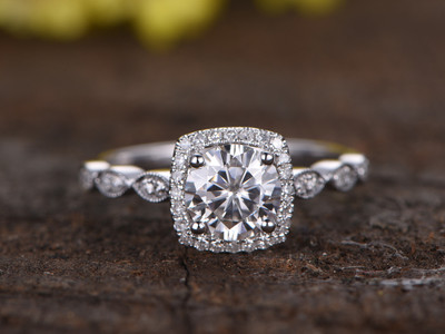 1 Carat Round Moissanite Halo Engagement Ring