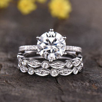 Round Cut Moissanite Wedding Sets 0