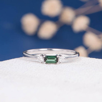 Green Tourmaline Ring White Gold