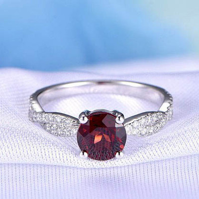 Garnet Engagement Ring 6.5mm Round Cut 0