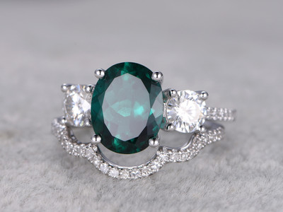 2.5 Carat Emerald Engagement Ring Set Moissanite Diamond Matching Band White Gold Vintage Curved Stacking 14K/18K