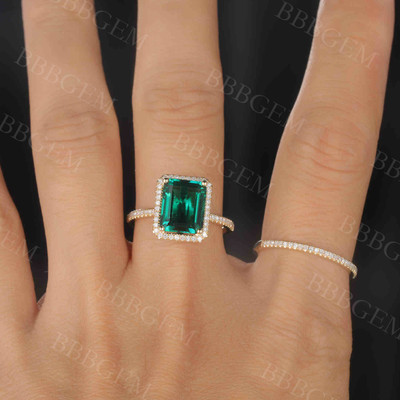 2.5 Carat Emerald Engagement Ring Set Diamond Matching Band Yellow Gold Halo Thin Pave Stacking 14K/18K