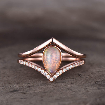 pear shaped opal engagement ring set