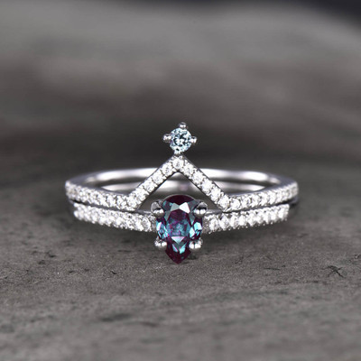 alexandrite and diamond engagement ring
