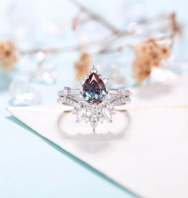 Unique alexandrite bridal set