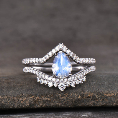 moonstone engagement ring set