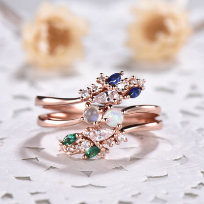 emerald and sapphire ring