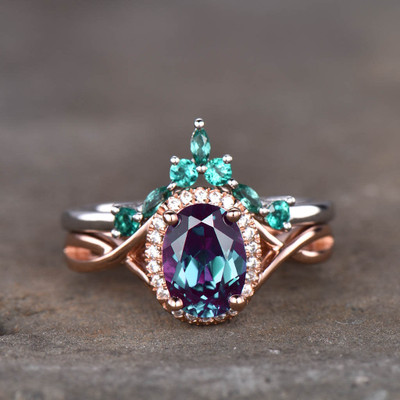 aleandrite and emerald ring