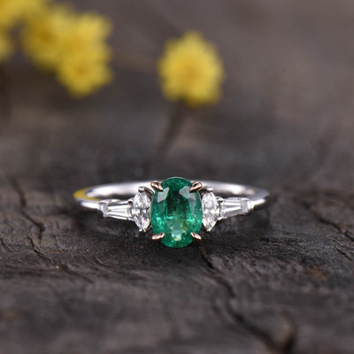 two tone oval  emerald engagement ring 0