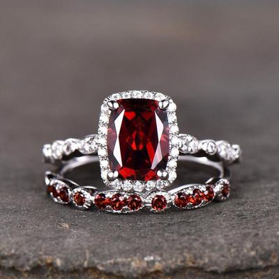 garnet engagement ring and wedding  band 0