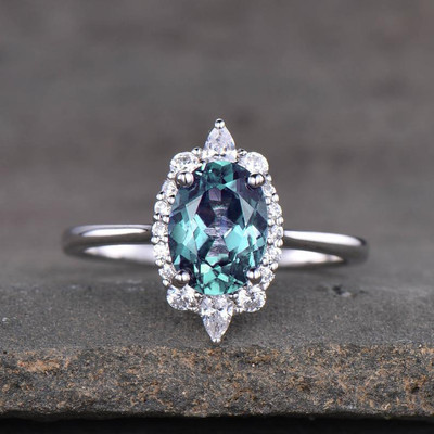 Vintage Alexandrite Engagement Ring 0