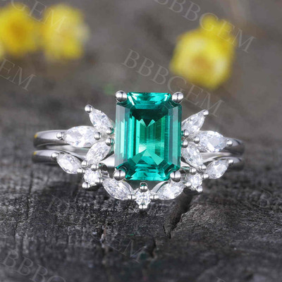 Emerald Diamond Engagement Ring 0