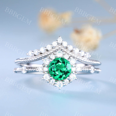 Green Emerald Engagement Ring Set