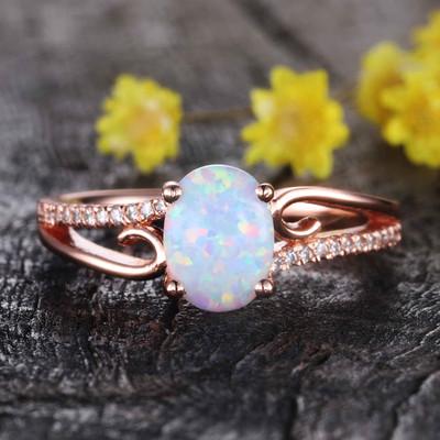 oval opal