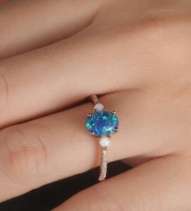 Artificial vs real Black Opal diamond ring: Cost Comparison