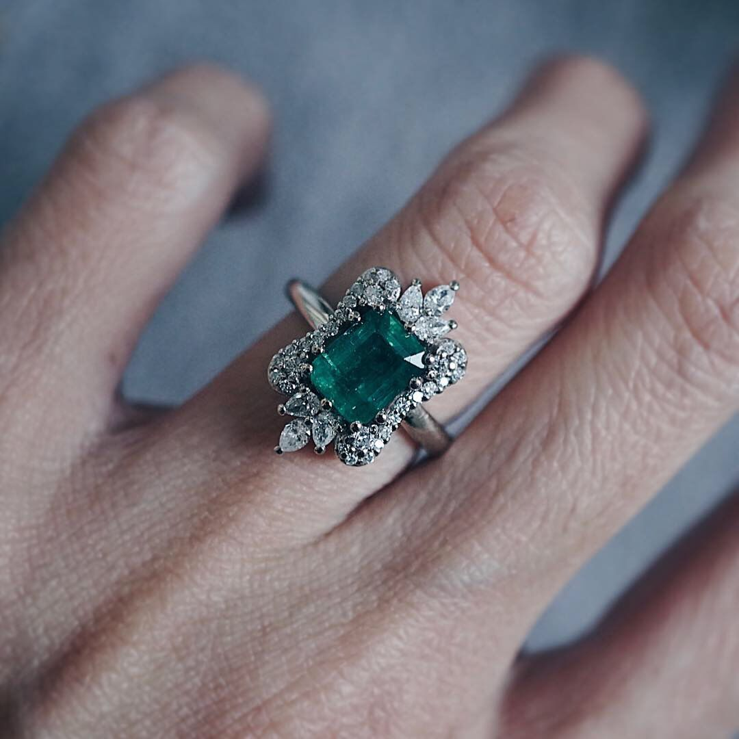5 Useful Tips to Buy Emerald Diamond Ring for Gift