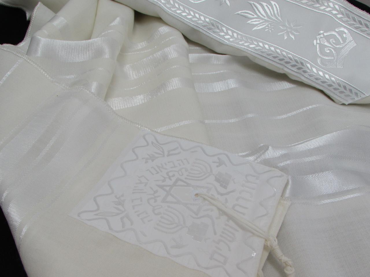 Size 40 Wool White-on-White Children's Tallit