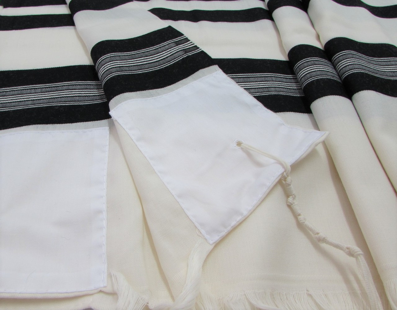 Prima A.A. Black-Striped Tallit