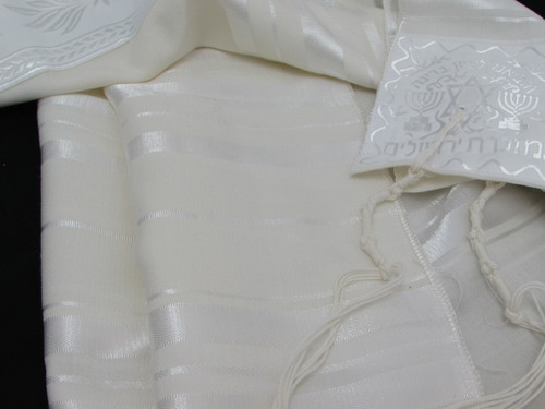 Size 28 Wool White-on-White Children's Tallit