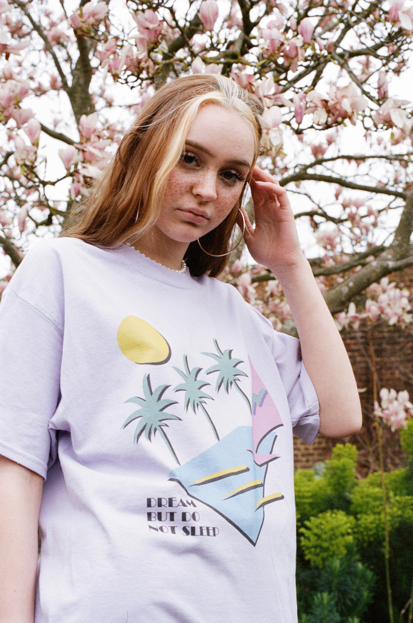 Short Sleeved T-shirt In Lilac With 80s California Palm Print