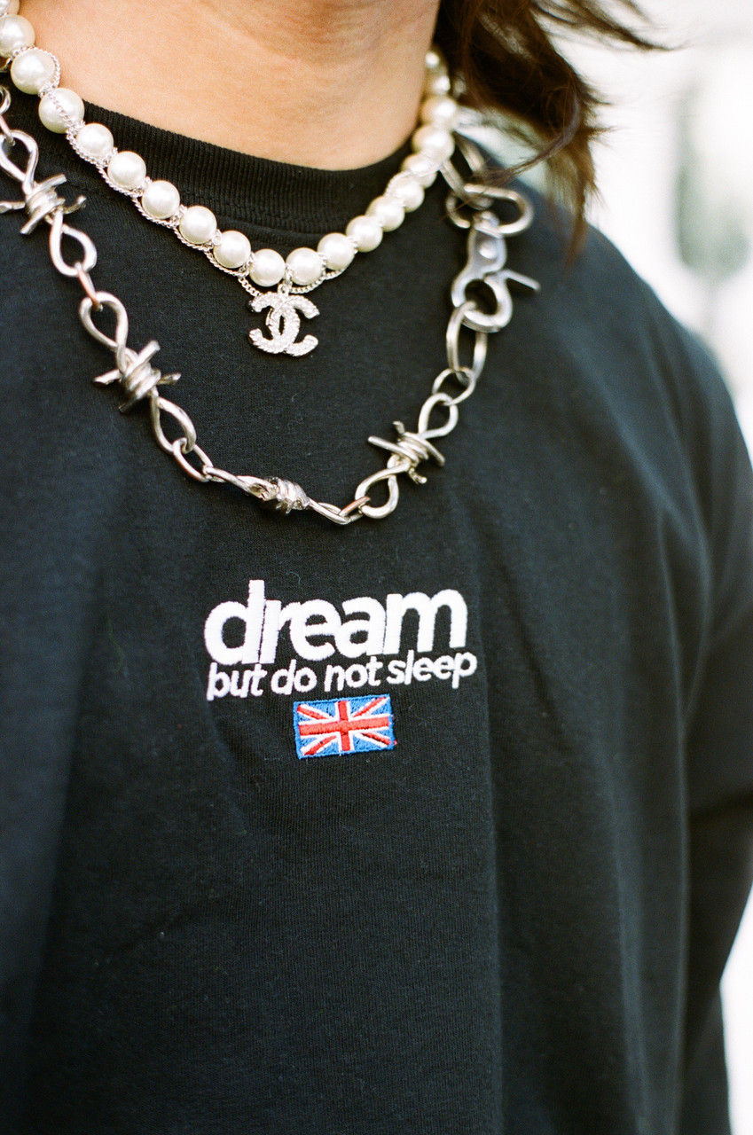 Long Sleeved T-shirt Black With Dream Embroidered Logo