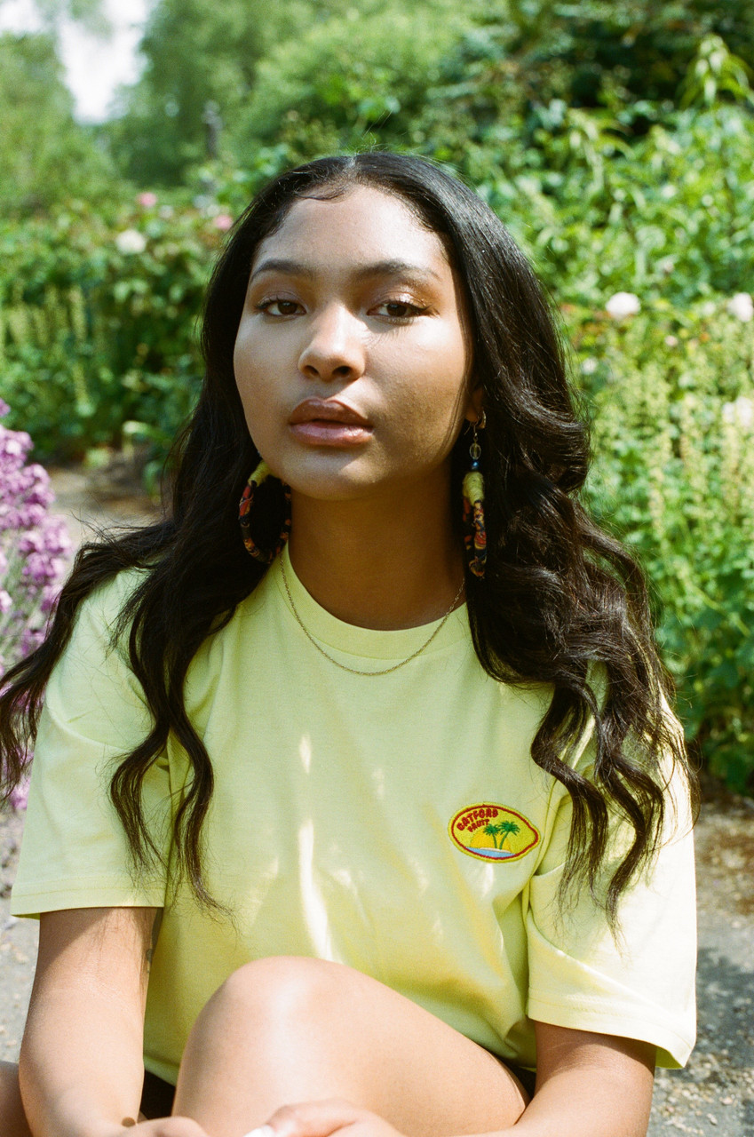 Short Sleeved T-Shirt with Yellow Embroidered Fruit Sticker