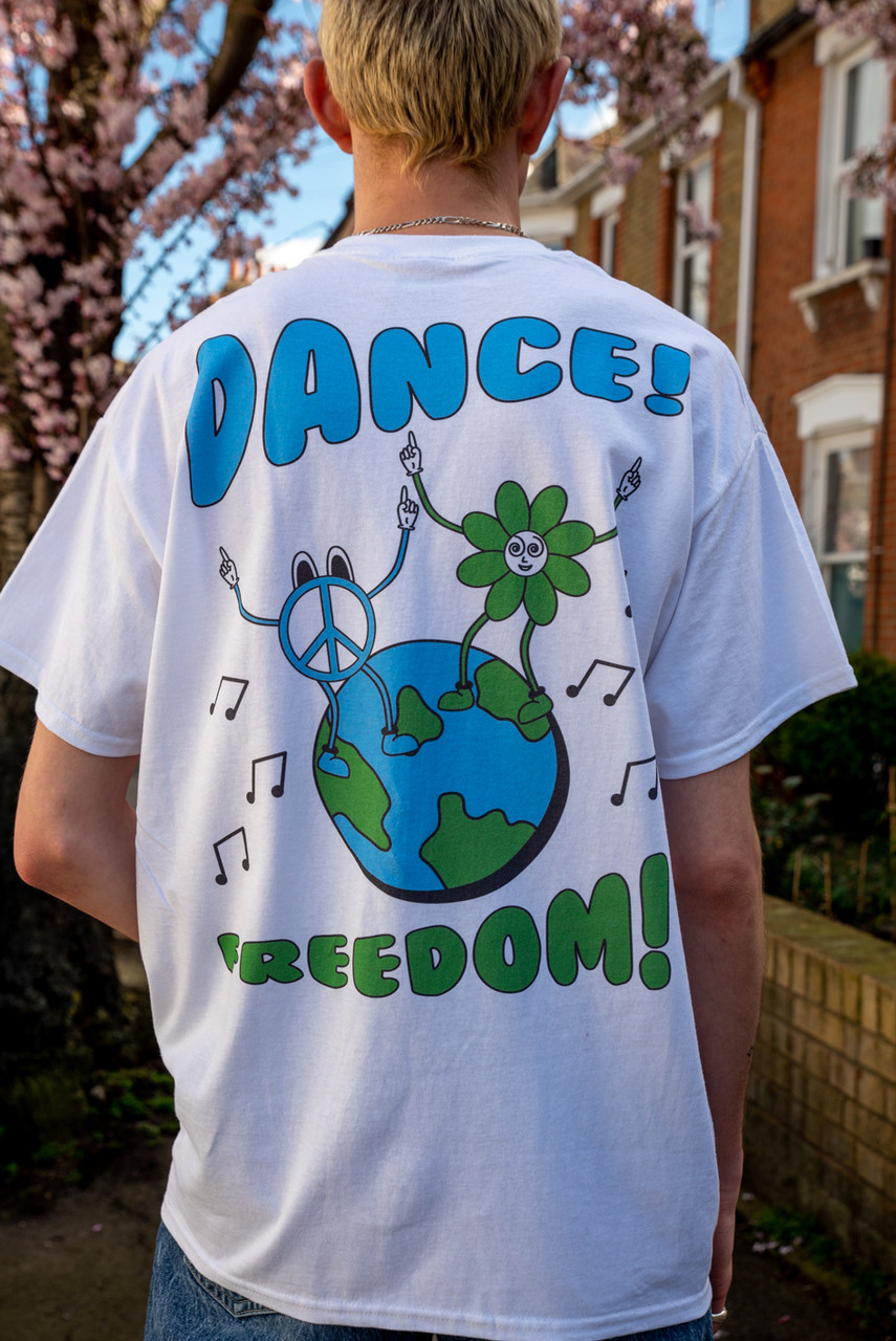 Short Sleeved T-Shirt in White with Worldwide Freedom print