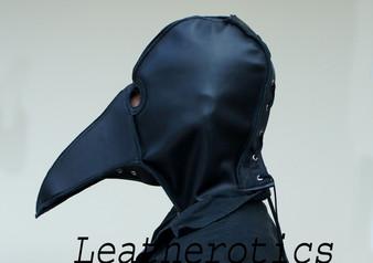 Plague Doctor MaskPestdoktor-Maske aus LEDER in schwarz