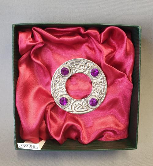 Dancers plaid brooch - 4 stone