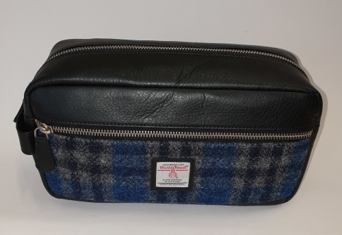 Harris tweed washbag - front