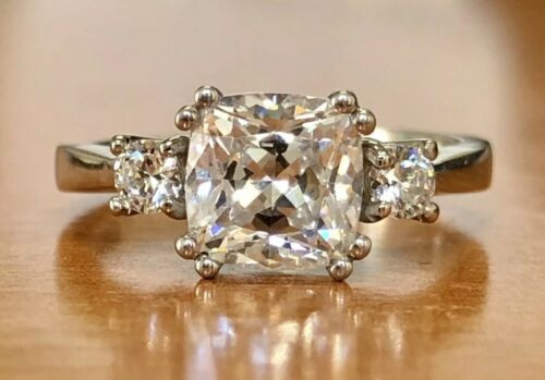 10K Solid White Gold Cubic Zirconia Three Stone Engagement Ring 3.8 Grams