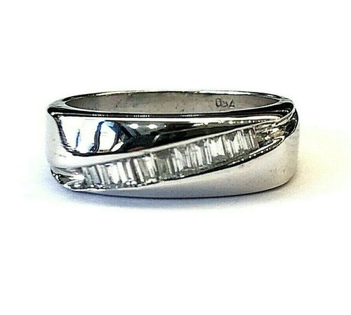 18k White Gold 0.30 Ct Baguette Diamond 6MM Size 6.75 Men Ring 5.7 Grams