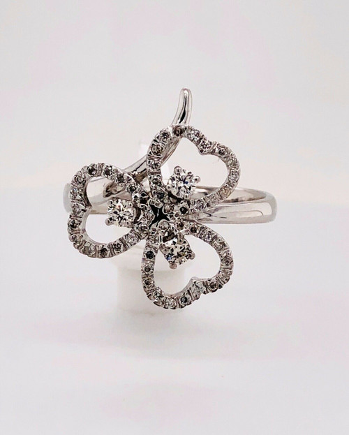 18K White Gold 0.50 Ct Natural Diamond Heart Petals Clover Ring