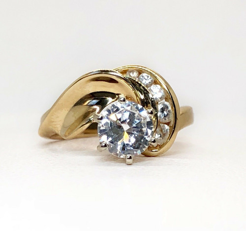 14K Solid Yellow Gold CZ Round Solitaire With Accent Engagement Ring Size 5.25