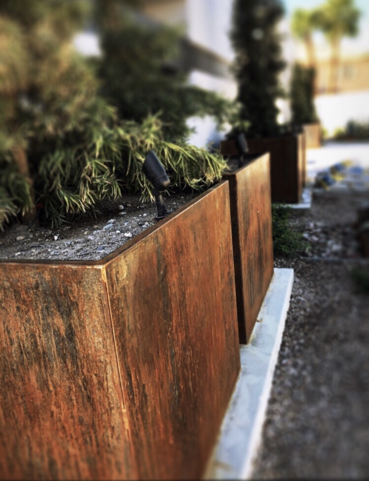 rusted-corten-steel-square-planter-box.png