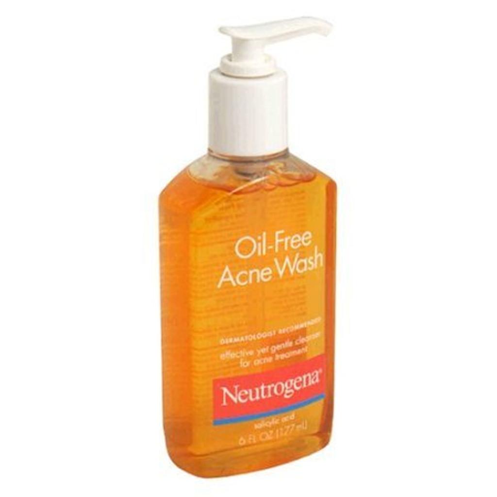 Neutrogena_Oil_Free_Acne_Wash_6_Oz_1