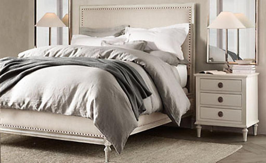 Bordeaux Queen Bed Suite Package (A/White)