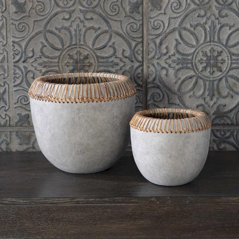 Aponi Concrete Ray Bowls Set/2 - Size: 25H x 28W x 28D (cm)