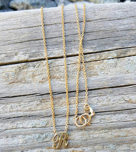 Letter R Necklace 14K Yellow Gold