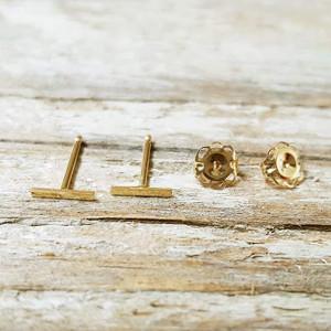 Tiny Bar Earring 14K Yellow Gold