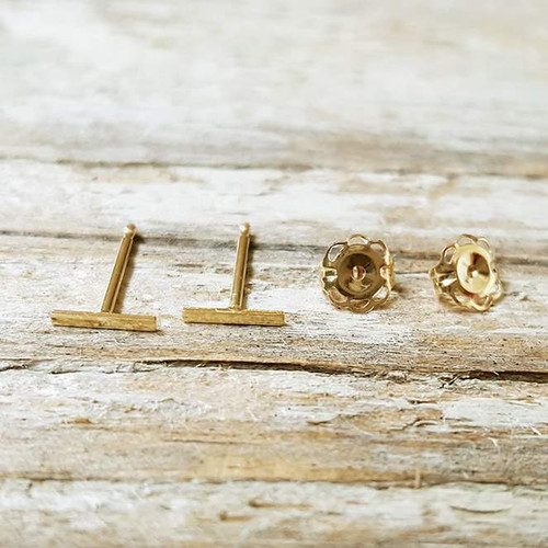 Tiny Bar Earring 14K Yellow Gold