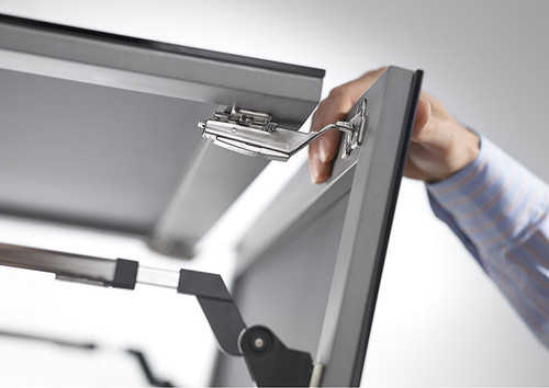 The AVENTOS HF centre hinge prevents fingers getting caught