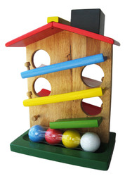 Qtoys Ball Rolling House