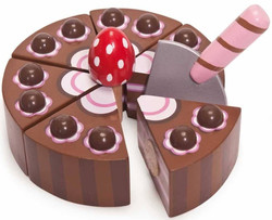 Le Toy Van Wooden Chocolate Cake