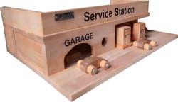 Qtoys Wooden Service Station Set
