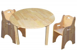 Qtoys Medium round table and 2 toddler chairs Set