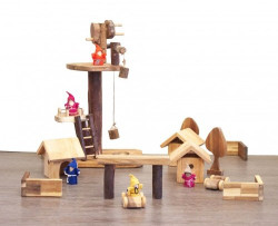 Qtoys Gnome Village Playset Treehouse