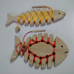 Qtoys Lacing Fish – Set of 2